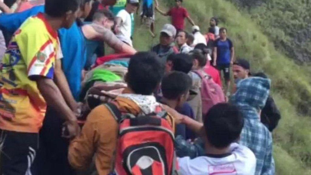 Saat Petugas Damkar Inggris Ikut Selamatkan Perempuan di Bali