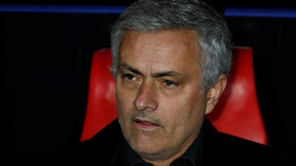 Bertanya soal McTominay, Reporter Ini Dapat Pelukan dari Mourinho
