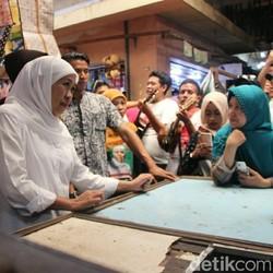 Khofifah Dicurhati Pedagang Pasar karena Menjamurnya Toko Modern