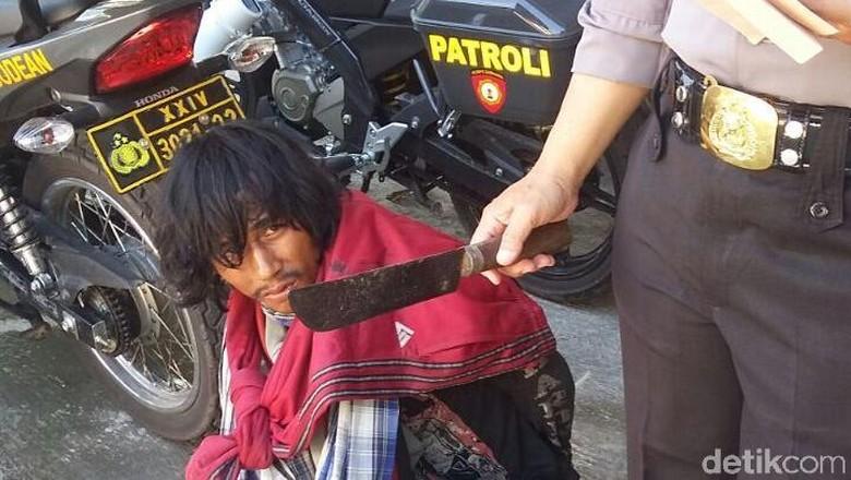 Pria Diduga Sakit Jiwa yang Bawa Golok di Sleman Ngaku dari Temanggung