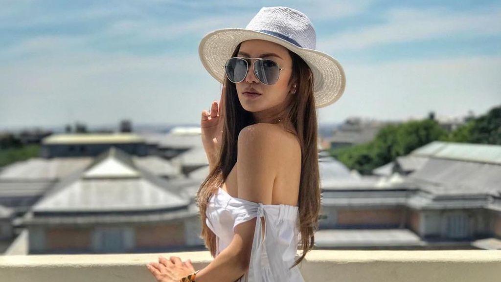 Liburannya Si Cantik Elly Lam, Anak Miliuner dan Sosialita Hong Kong
