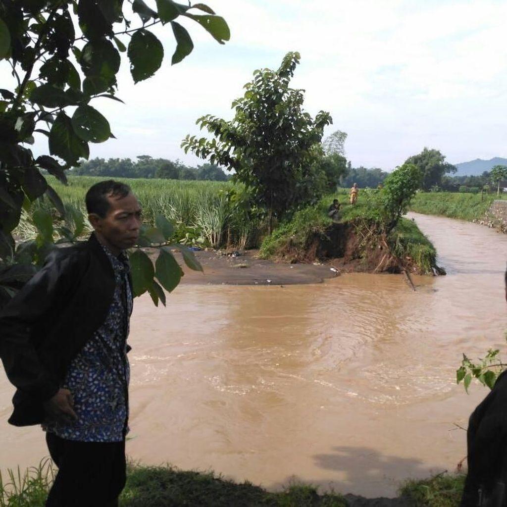 1200 KK di Kediri Terdampak Banjir, Aktivitas Warga Terganggu