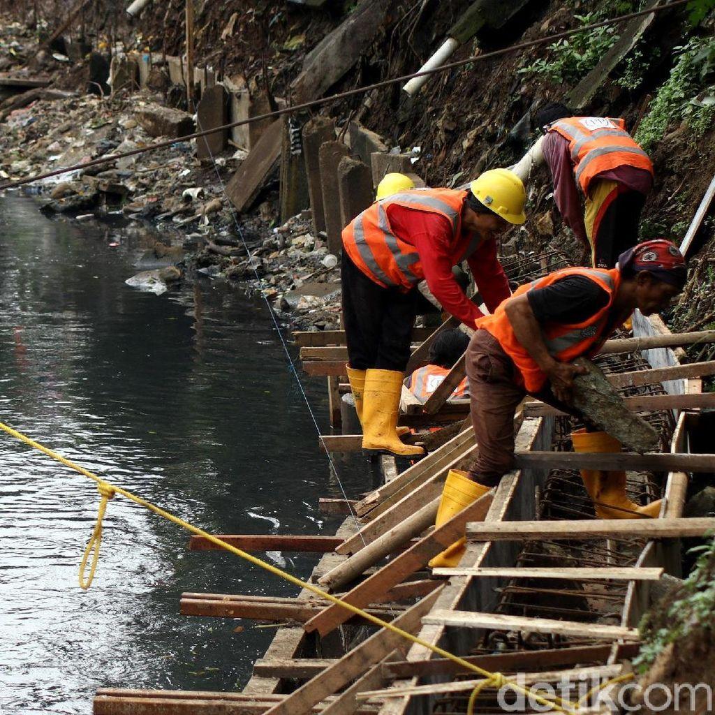 Pembangunan Tanggul Anak Kali Ciliwung