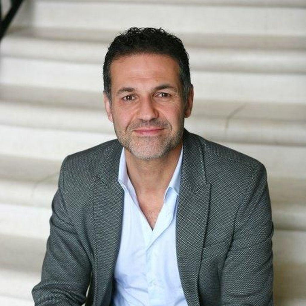 Novelis The Kite Runner Tulis Buku Baru tentang Pengungsi Suriah