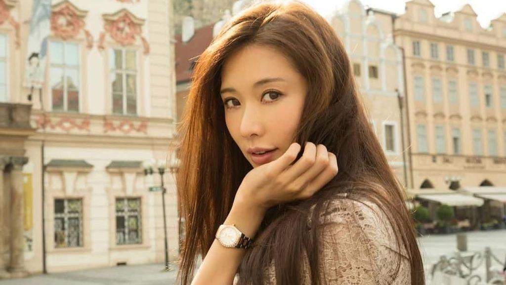 Foto: Intip Liburannya Model Cantik 43 Tahun yang Awet Muda