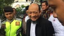 Cerita Sahabat Soal Novel yang Puasa Saat Pulang ke Jakarta