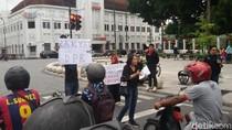 Tolak UU MD3, Mahasiswa UGM Beraksi Teatrikal di Titik Nol Yogya