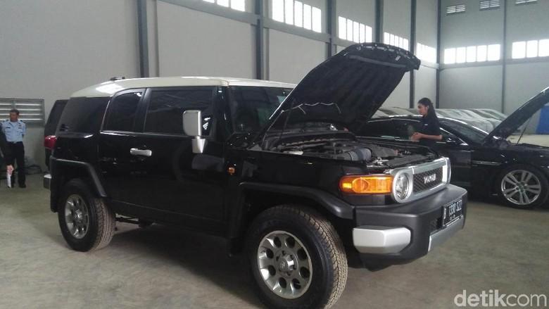2 Mobil Luthfi Hasan Ishaaq Laku Terjual Rp 961 Juta Dilelang KPK