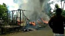 Bengkel Tambal Ban Terbakar, 2 Warga Luka, 3 Motor Hangus