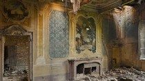 Kenapa Kita Selalu Terpesona dengan Reruntuhan Bangunan?