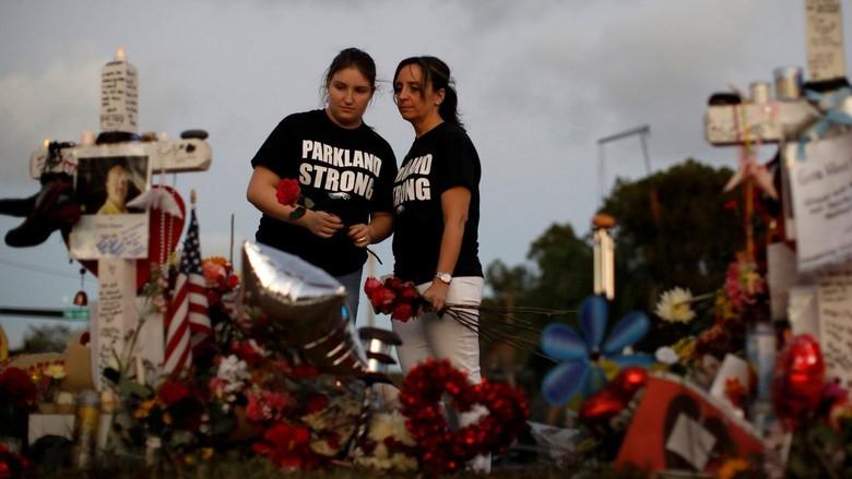Cuma Diam di Luar Sekolah Saat Siswa Ditembaki, Polisi AS Mundur