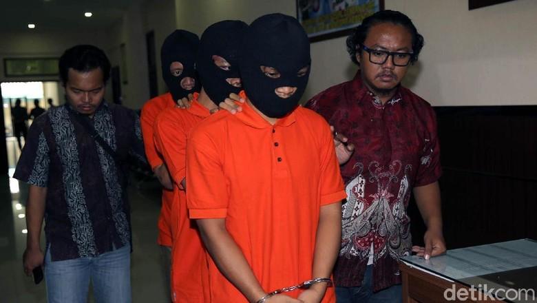 Pencuri yang Telanjangi Ongky Sempat Tabrak Polisi Saat Ditangkap