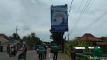 Alat Peraga Kampanye Liar di Banyuwangi Mulai Ditertibkan