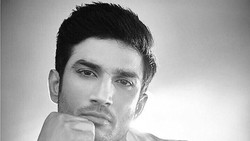 Aktor Bollywood pendatang baru Sushant Singh Rajput pernah pose bareng Kendall Jenner ini punya tubuh kekar berkat rutin berolahraga. Seperti apa? Yuk lihat!