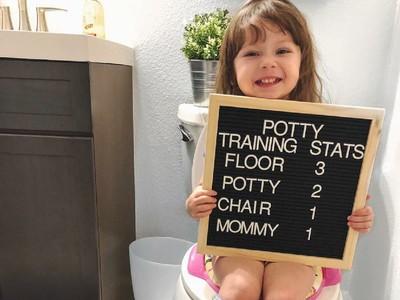 Lucunya Tingkah Anak-anak yang sedang Toilet Training