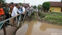 Sambangi Korban Banjir Jombang, Gus Ipul: Ini Perlu Penyelesaian