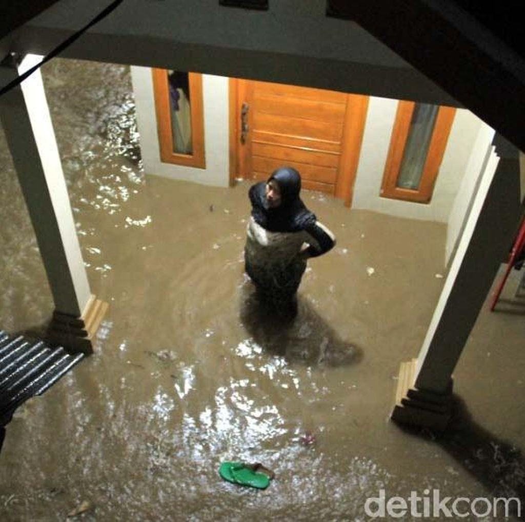Terendam Banjir, Paseh Bandung Seperti Sungai