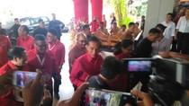 Berkemeja Merah, Presiden Jokowi Hadiri Rakernas PDIP di Bali