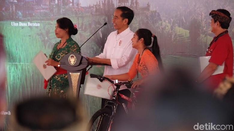Jokowi Heran Ada Warga Sebut Nama Ikan Putri Duyung di Bali