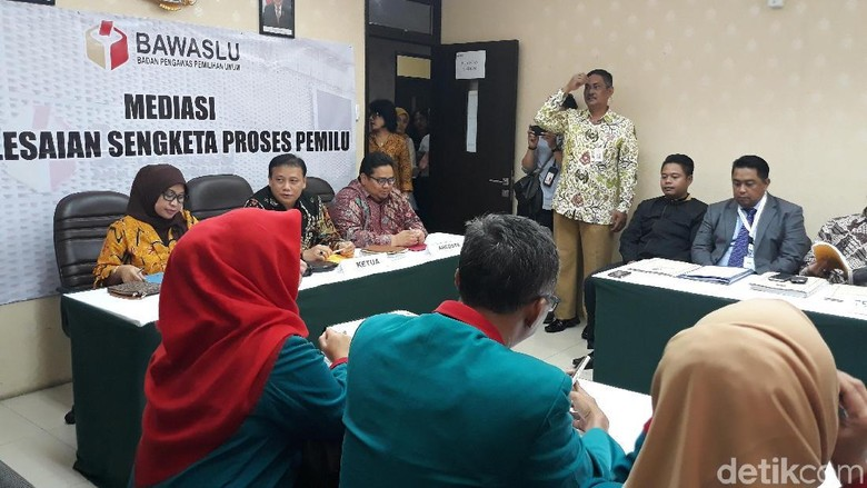 Foto: Mediasi Partai Idaman yang Tak Lolos Pemilu dengan KPU