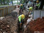 Perbaikan Trotoar di Jalan Gerbang Pemuda