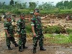 Bantaran Sungai di Batang Rusak Akibat Galian Liar