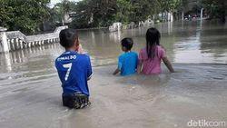 Kali Lamong Meluap, Ratusan Rumah di Gresik Terendam Banjir