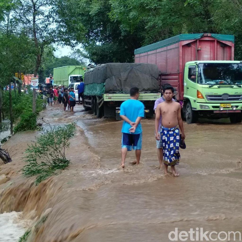 Video Banjir Terjang 2 Kecamatan di Probolinggo