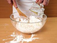 Mumpung Libur, Yuk BIkin Donat Kentang Empuk dengan Taburan Gula!
