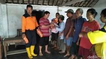 Banjir Madiun Surut, Korban Terdampak Diberi Bantuan Logistik