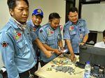 Foto: Duit Rp 2,3 Juta di Karung Pengemis di Slipi Jakbar