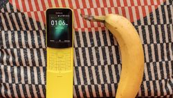 Spesifikasi Lengkap Nokia Pisang 8110