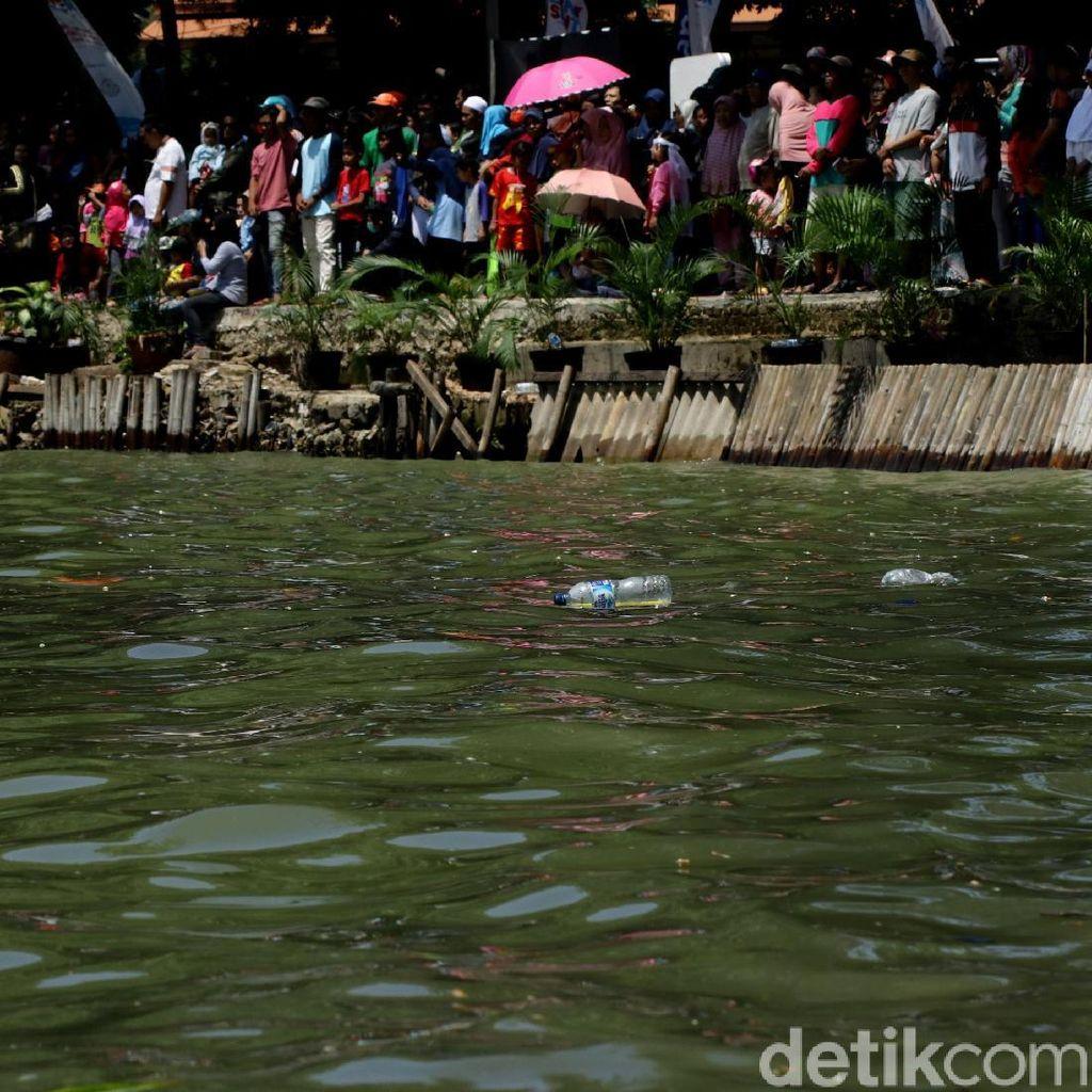 Seorang Bocah Tersesat di Festival Danau Sunter