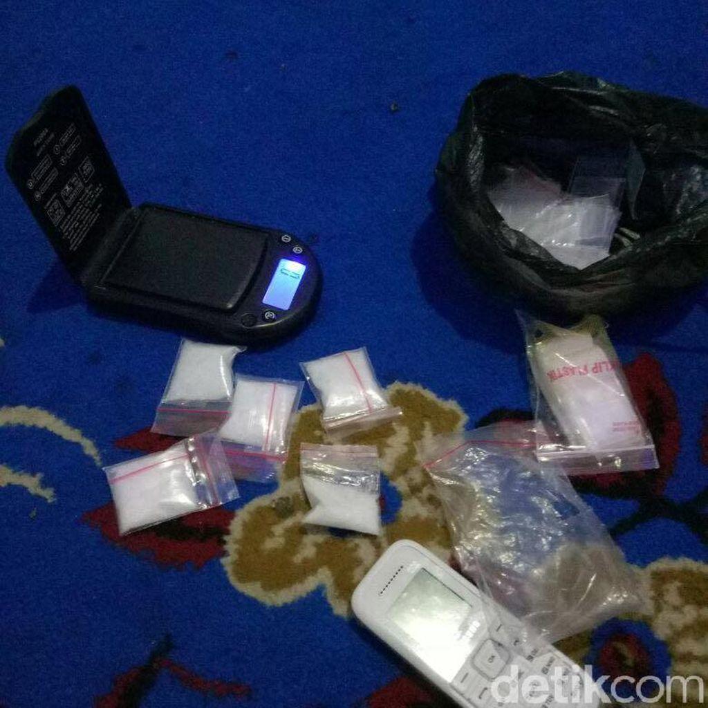 Polisi Tangkap 2 Pengedar Sabu di Makassar