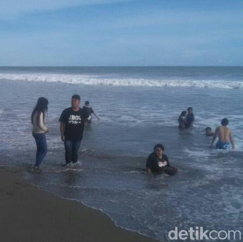5 Wisatawan Terseret Ombak di Pantai Kebumen, 1 Orang Hilang