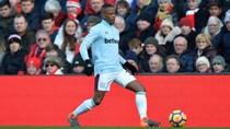 Debut Bersama West Ham, Evra Langsung Dapat Tiga Jahitan