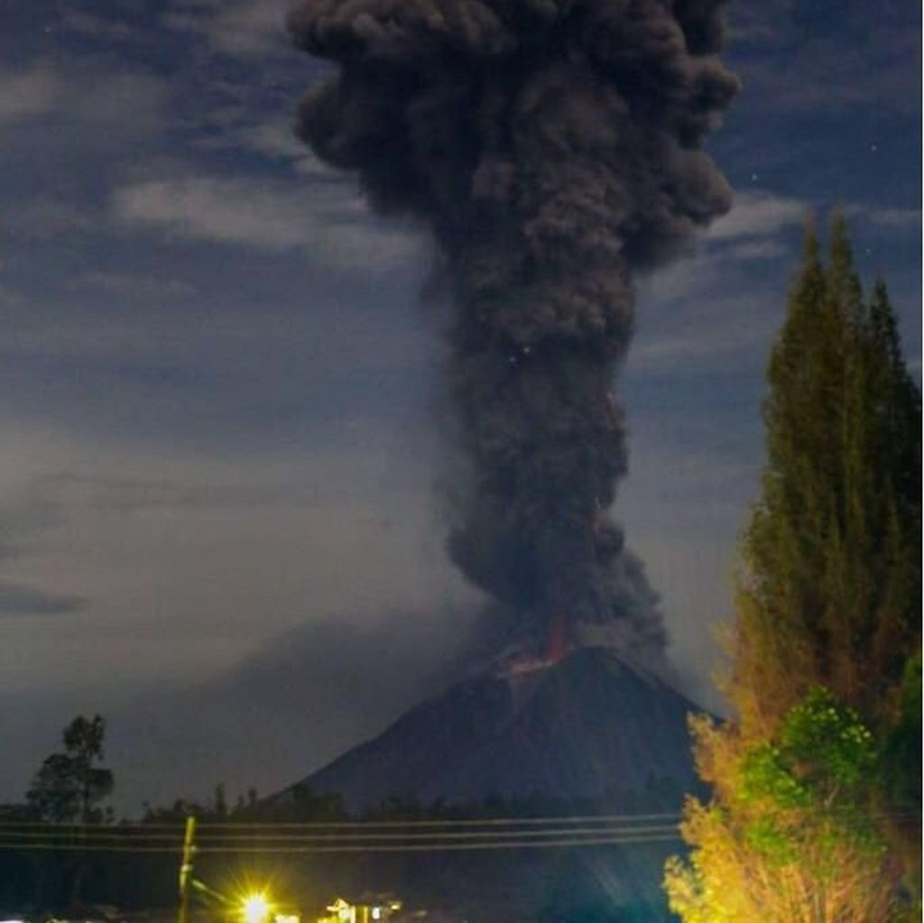 Kembali Erupsi, Gunung Sinabung Semburkan Abu Vulkanik 3,8 Km