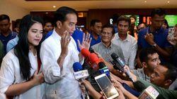 Nonton Film Dilan 1990, Jokowi: Jadi Teringat Masa Remaja
