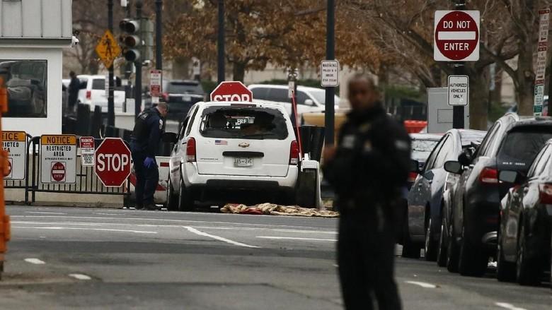 Foto: Mobil yang Dipakai Jessica Ford Seruduk Gedung Putih