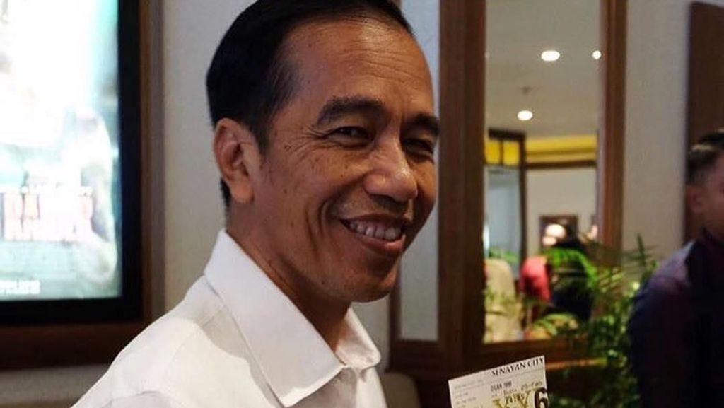 Pamer 3 Tiket, Jokowi Nonton Dilan 1990