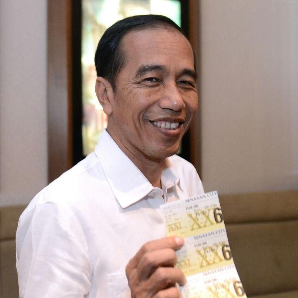 Sederet Momen Jokowi Nonton Film Dilan 1990
