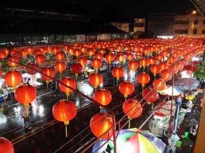Pasar Gede Solo dan Ribuan Lampion Cantik