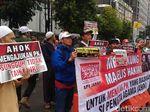 Massa Kontra Ahok Mulai Berdatangan di Eks PN Jakpus