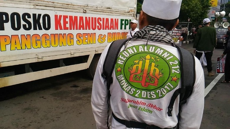 Foto: Massa Pro-Kontra PK Ahok Mulai Datangi PN Jakut