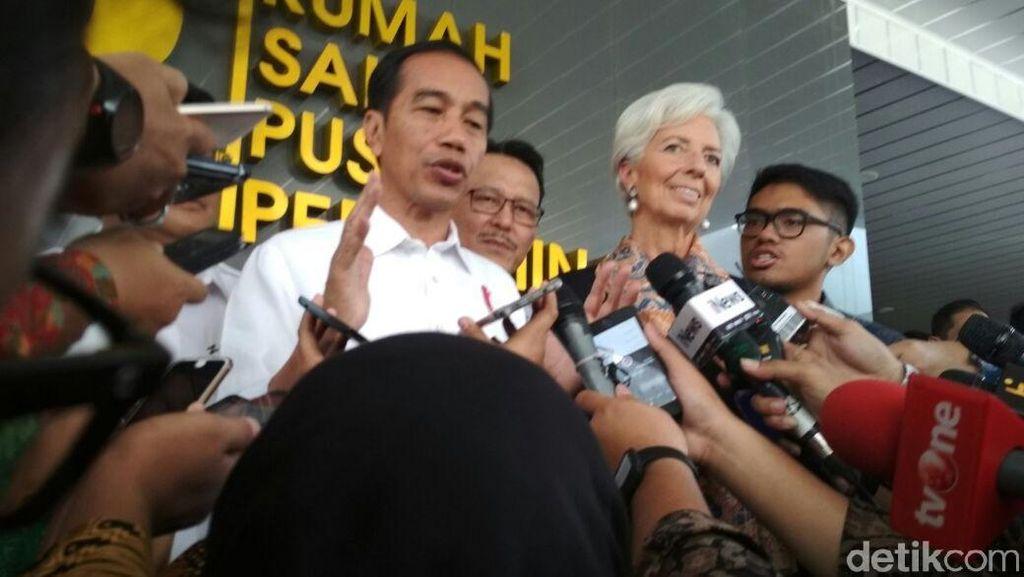 Jokowi Pamer Jumlah Peserta KIS kepada Bos IMF