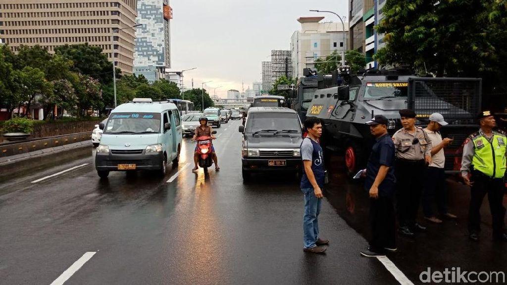 Polisi Gelar Apel Jelang Sidang Pemeriksaan Berkas PK Ahok