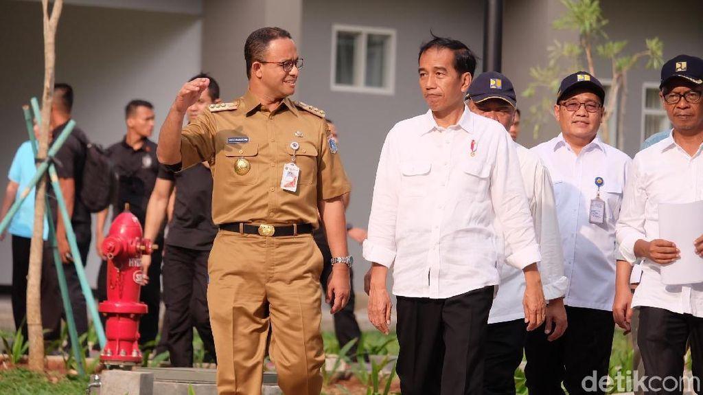 Tinjau Wisma Atlet Bareng Jokowi, Anies: Kami akan Perbaiki Taman