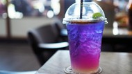 Diseduh dari Bunga Telang, Minuman Teh Ini Warnanya Biru Ungu!