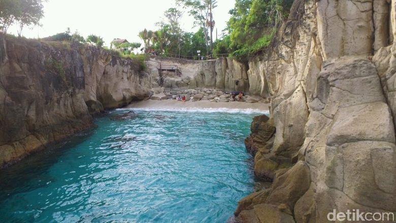 Pantai di Tanjung Silar (Michelle de Jonker/detikTravel)