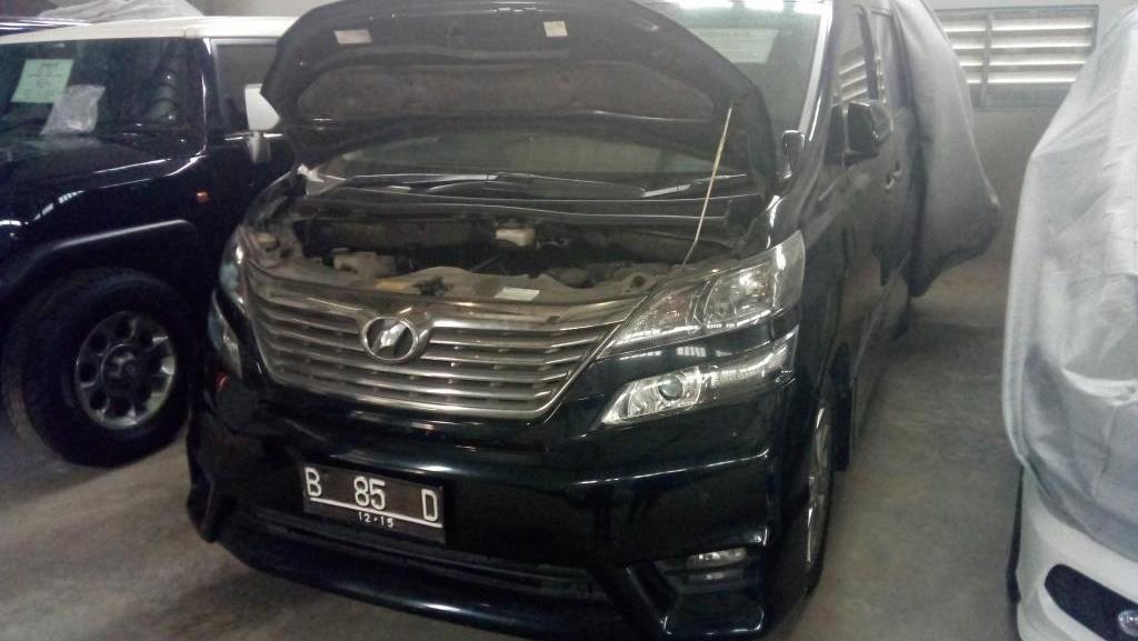 Toyota Vellfire Bekas Nazaruddin Laku Rp 300 Juta